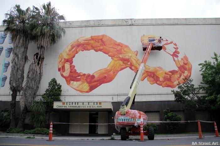 gaia nanook street art buenosairesstreetart.com MOS 2012