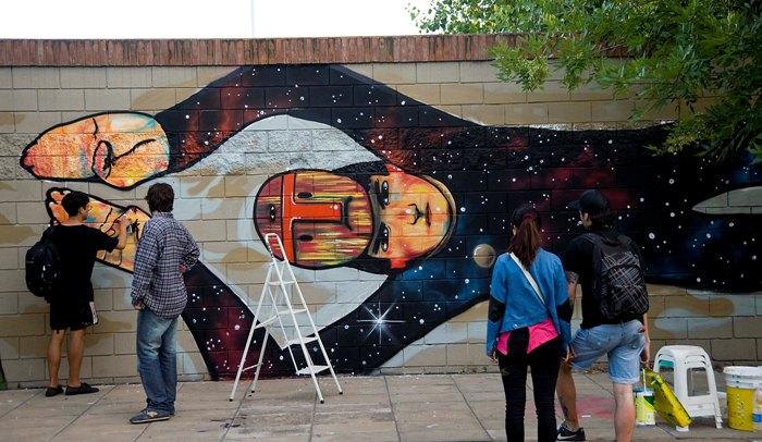 la robot de madera street art valpararaiso meeting of styles buenosairesstreetart.com