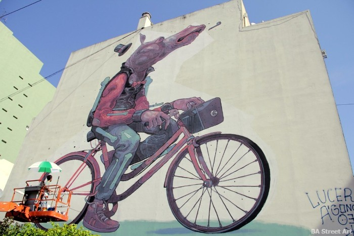 aryz street artist barcelona MOS buenosairesstreetart.com