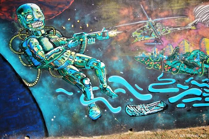 robot street art buenos aires