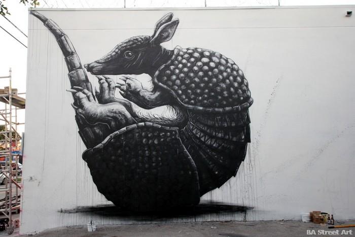 roa armadillo mural miami wynwood walls art basel miami Belgian painter buenosairesstreetart.com