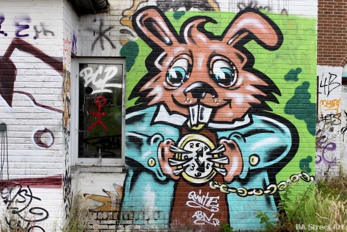 rabbit conejo graffiti street art mural buenos aires beveren doel belgium buenosairesstreetart.com