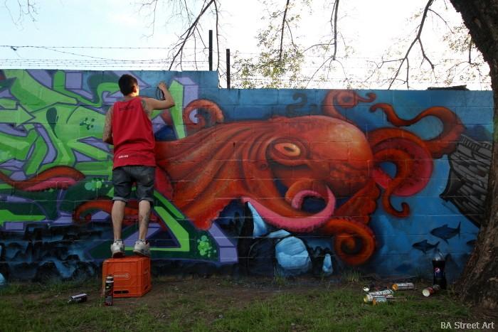 octopus grafiti buenos aires pier graff buenosairesstreetart.com