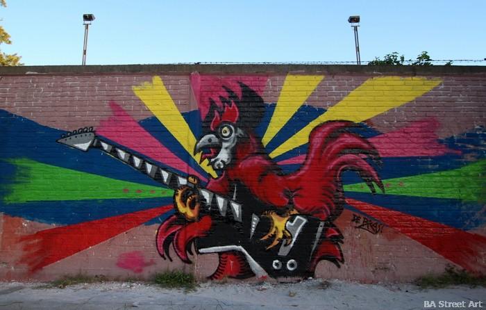 cockerel mural gallo buenos aires argentina urban art chicken buenosairesstreetart.com