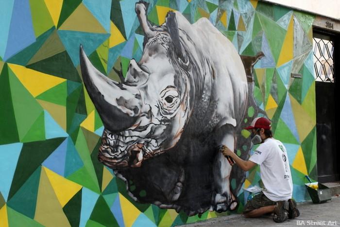 rhino graffiti 3-D buenos aires argentina street art buenosairesstreetart.com