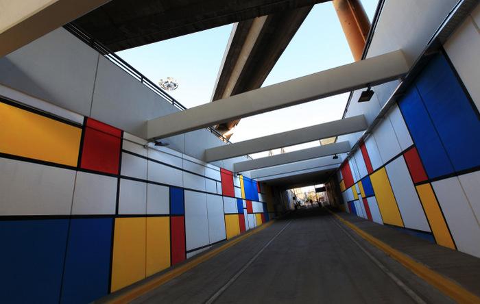 mondrian mural  project public arte tunel constitucion buenos aires arte urbano