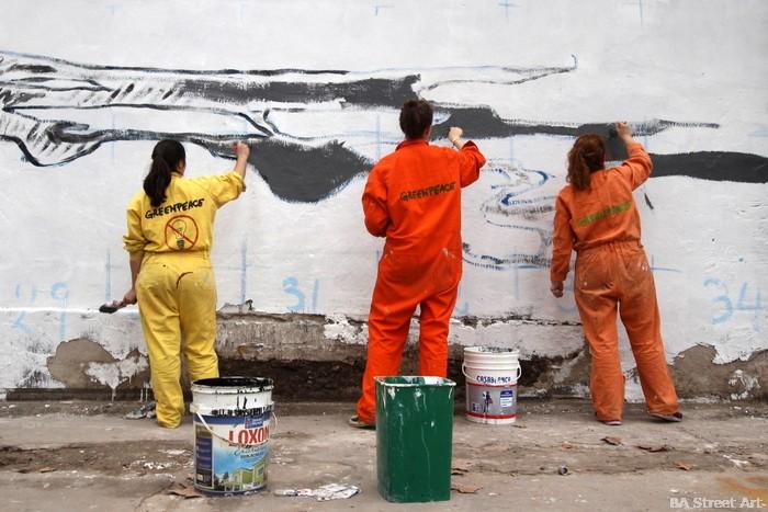 greenpeace argentina mural polar bear artic protesta shell buenos aires buenosairesstreetart.com