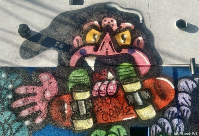 monster graffiti skateboard skate palermo buenos aires graff bar 5033