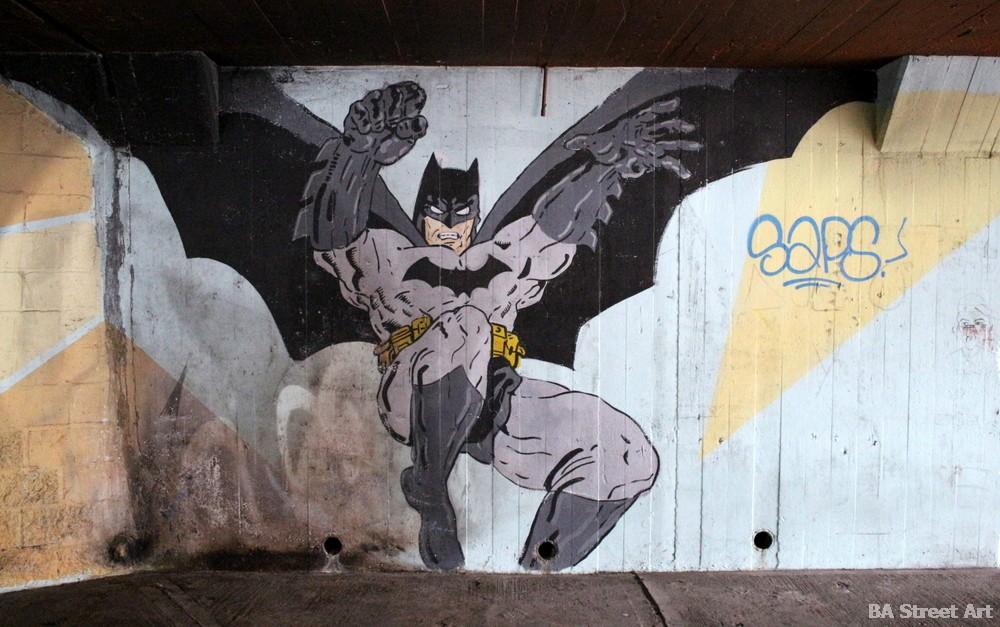 graffiti baires batman superheroe murales bs as arte buenosairesstreetart.com