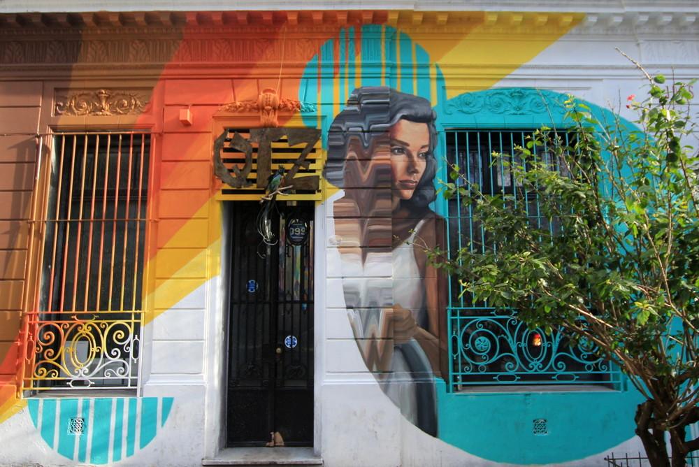 mujer artista urbana buenos aires buenosairesstreetart.com BA Street Art
