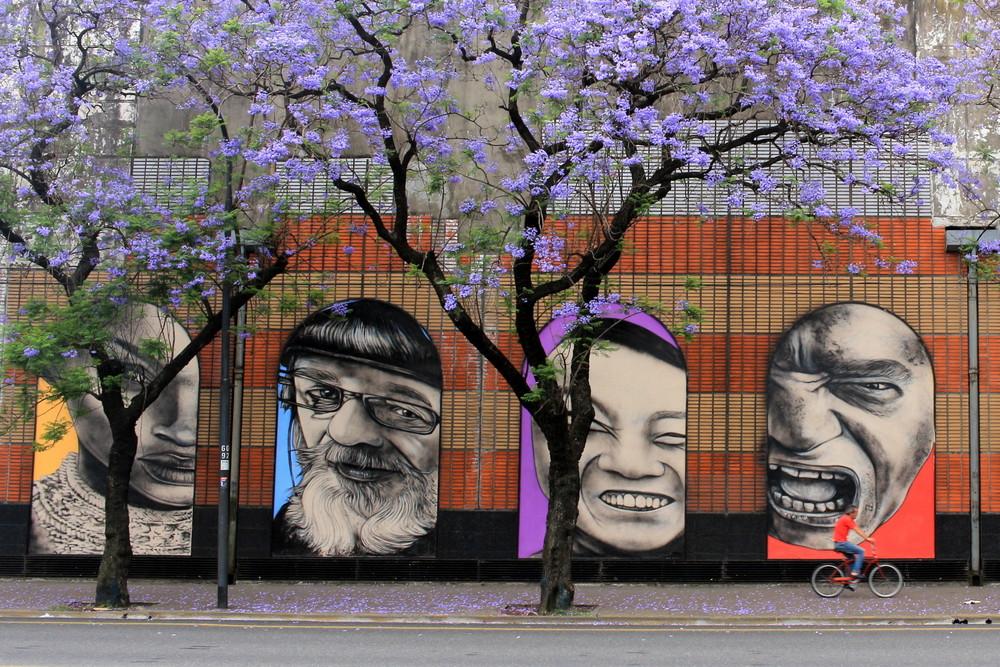 carrefour buenos aires supermercado argentina supermarket jacaranda tree arbol arte urbano retratos alfredo segatori buenosairesstreetart.com