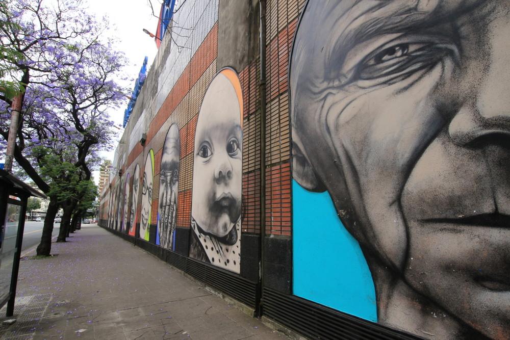 baby mural street art arte callejero argentina buenosairesstreetart.com