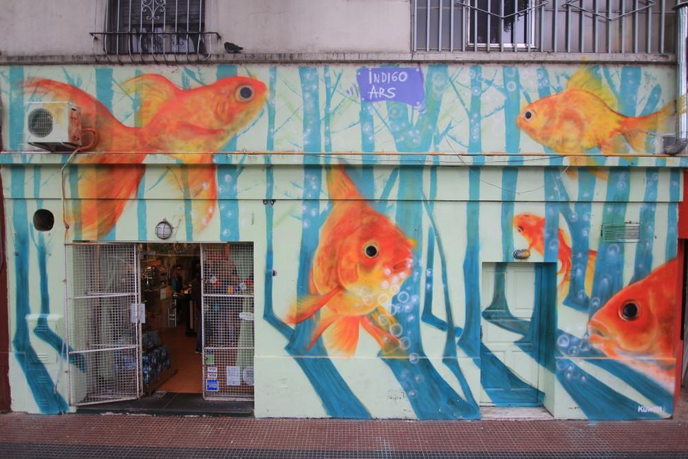 arte callejero tour buenos aires goldfish bs as graffiti peces buenosairesstreetart.com
