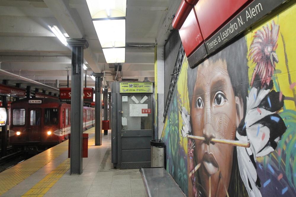 estacion de subte murales buenos aires arte callejero graffiti tour federico lacroze chacarita