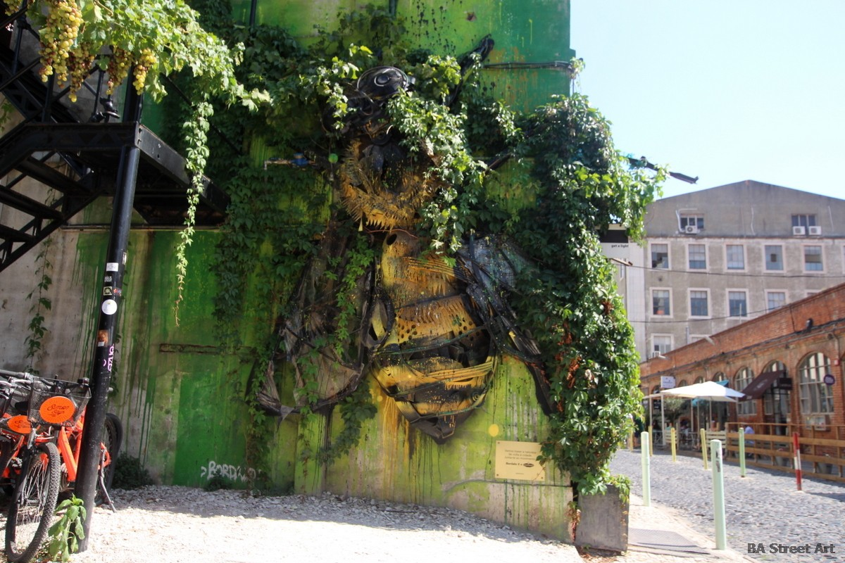 bordalo II trash sculptures bees abejas lisbon portugal mural LX factory guaxinim lisboa graffiti tour renard mural sculpture escultura murais rubbish recycled material