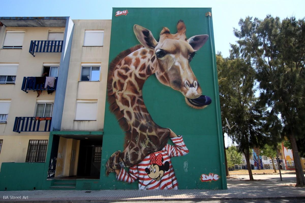 Sacavem graffiti tour smile giraffe girafa mural arte urbano Sacavem murais fresques arte callejero monoblock 4 story mural