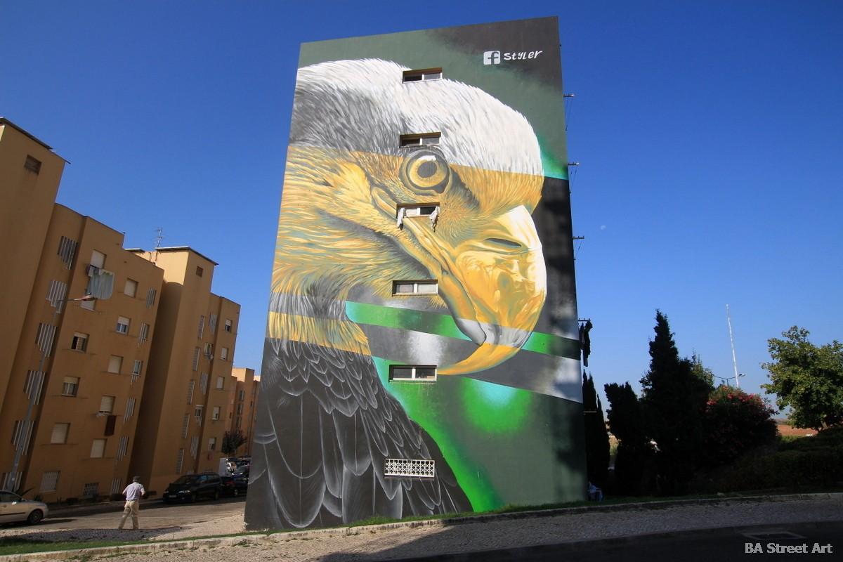 Styler realismo realistic mural lisbon portugal eagle aguila bairro cruz street art graffiti murales murais fresques peinture