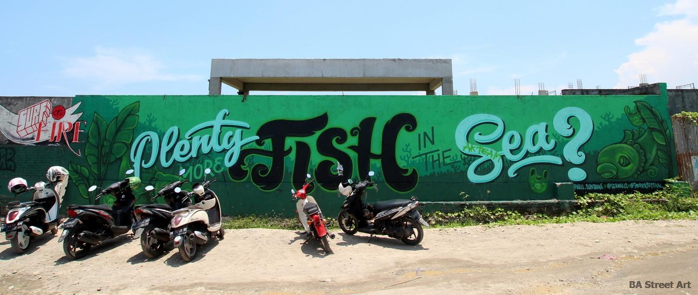 kelly spencer mural plenty more fish in the sea graffiti canggu echo beach indonesia bali buenosairesstreetart.com