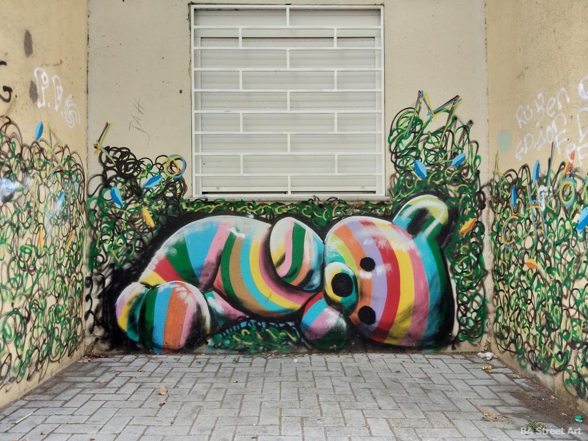 maye artista mural lisbon mural savacem teddy bear mural street art oso de peluche lisboa arte urbano portugal