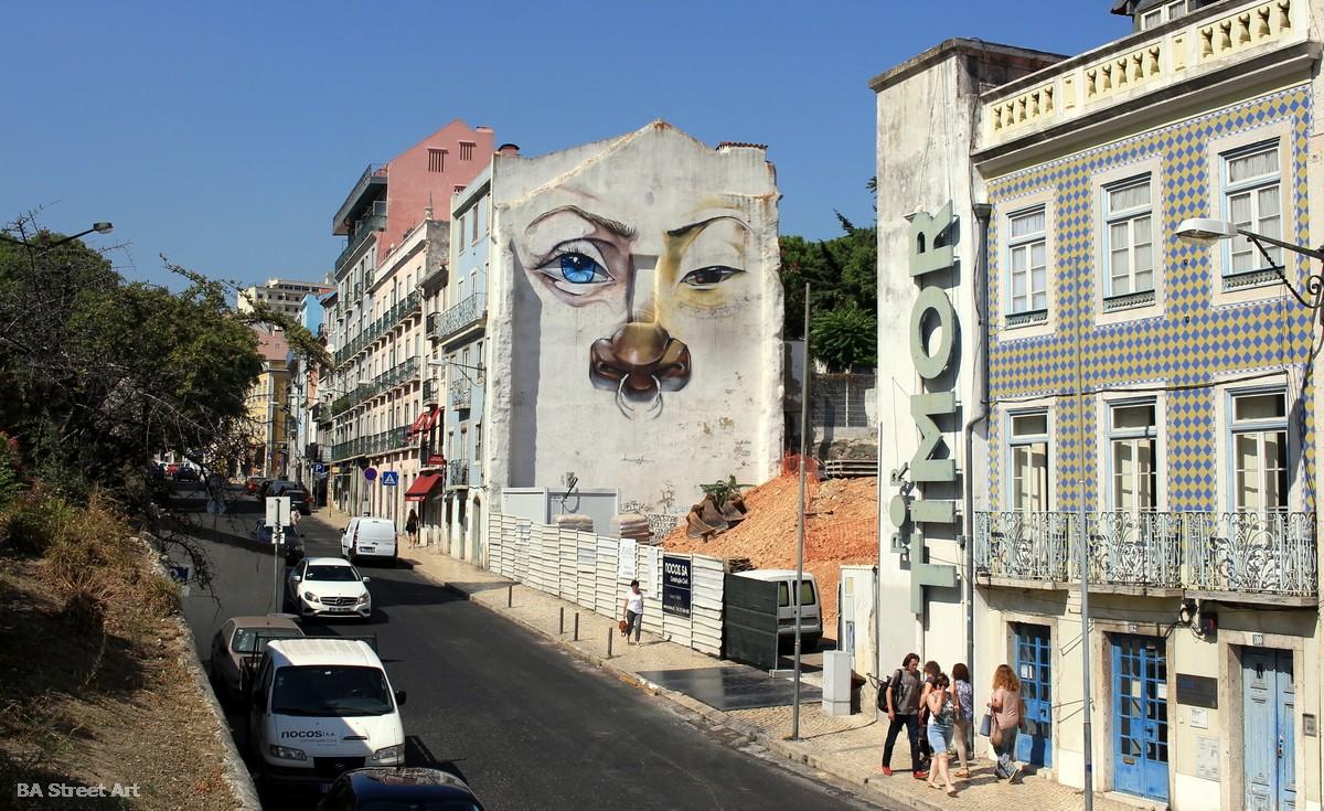 drawing jesus mural street art portugal lisboa murales buenosairesstreetart.com
