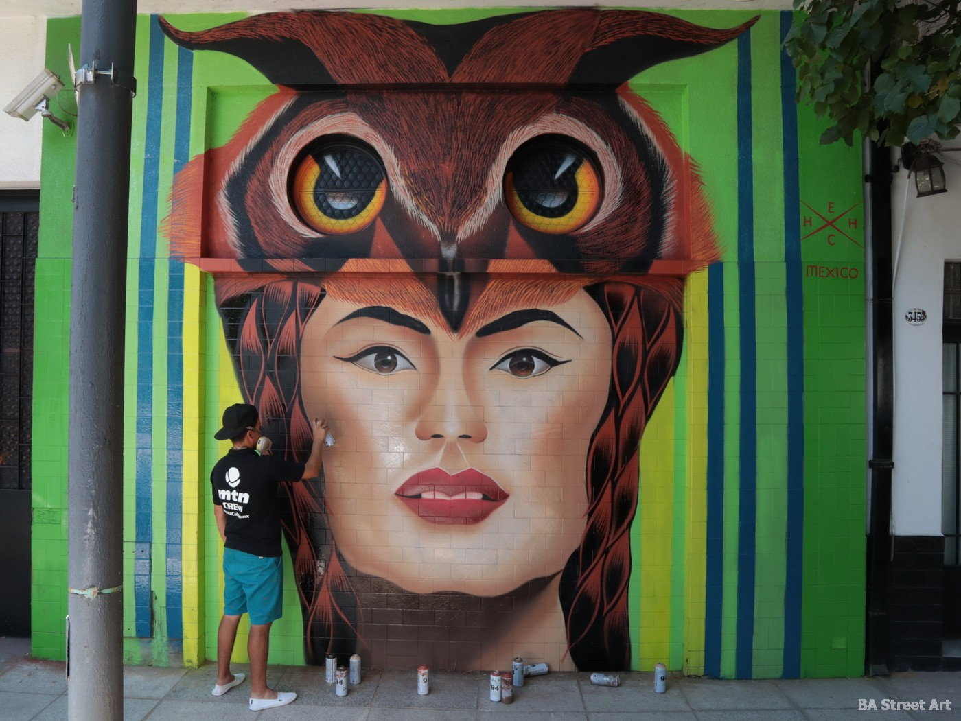 hech muralista artista mexicano retratos realismo arte urbano