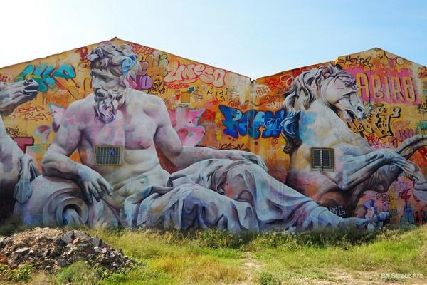 valencia street art map graffiti tour best murals pichiavo blu escif hyuro buenosairesstreetart.com