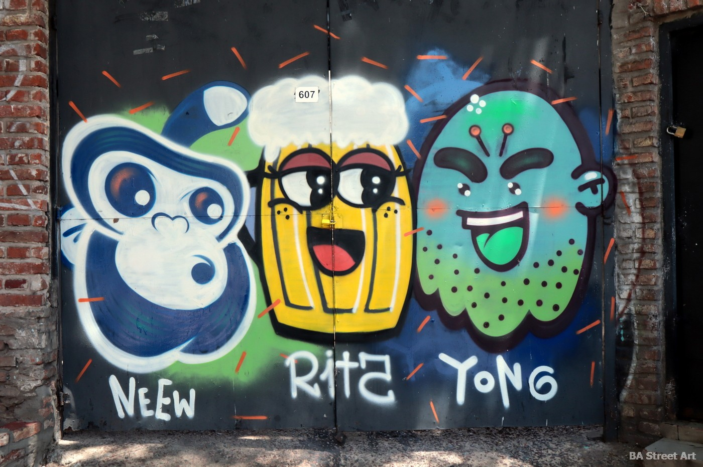 san telmo market defensa graffiti tour arte urbano diseño grafico san