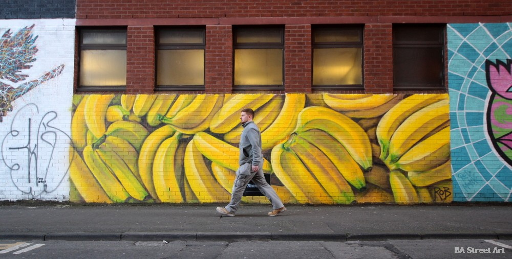 bananas mural arte urbano street art belfast kent street grafiti irlanda
