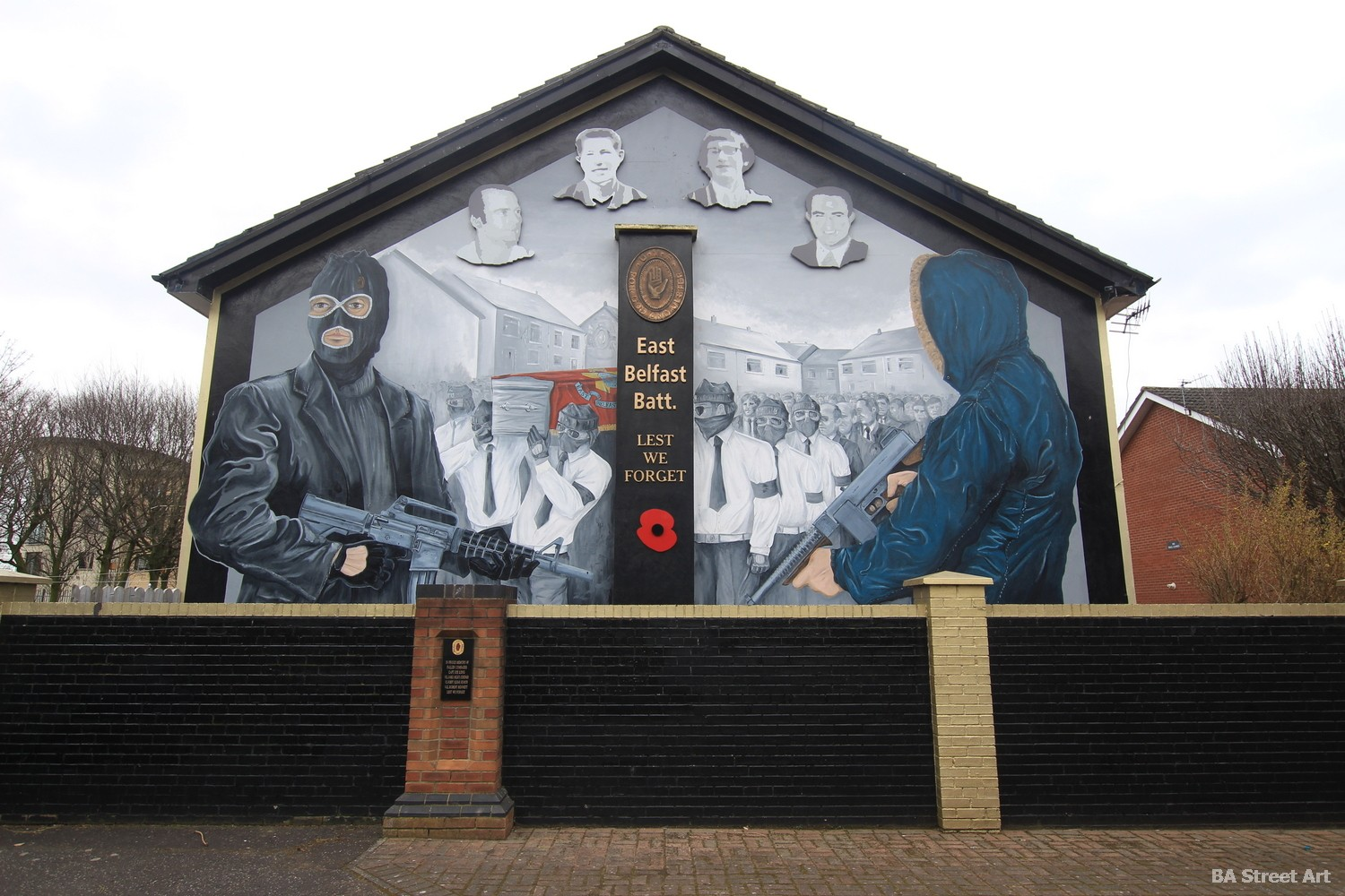 east belfast battalion victims political mural propaganda northern ireland balaclavas machine guns sectarian protestant