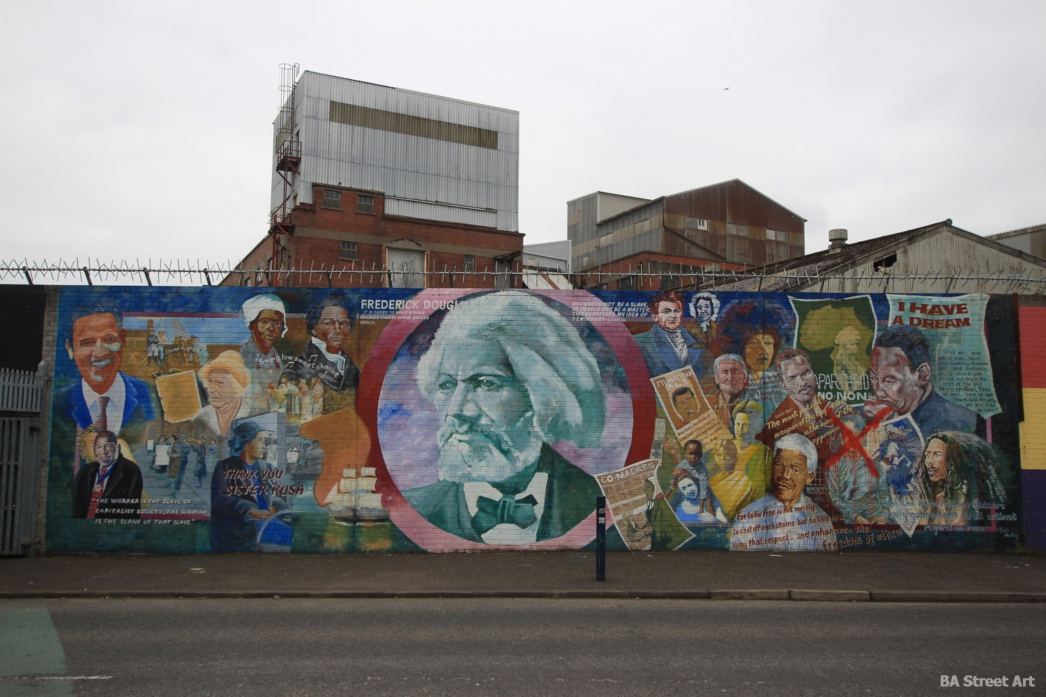 martin luther king frederick douglass barack obama belfast international peace wall northern ireland world leaders pacificists political prisoners