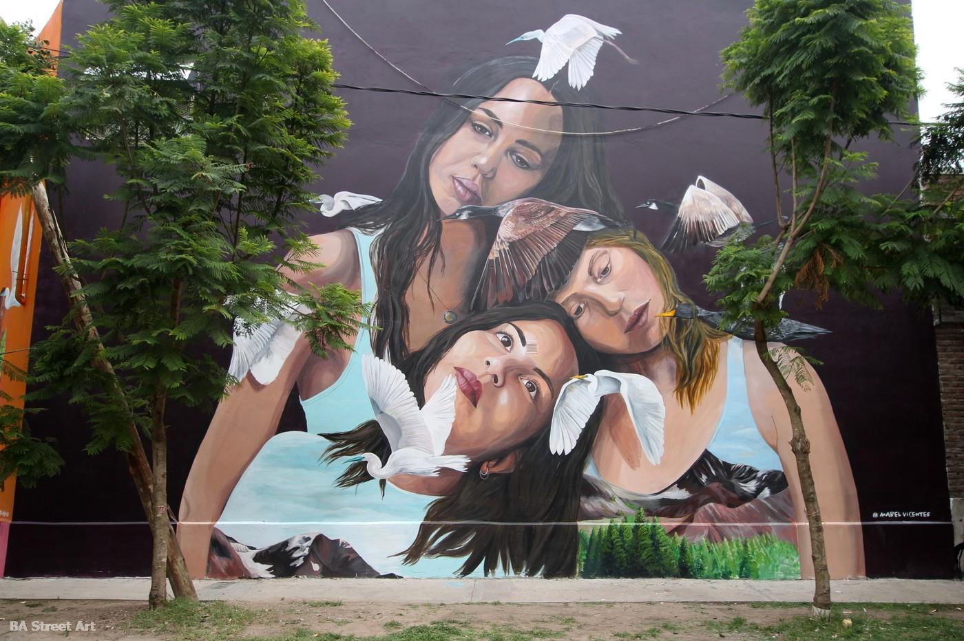 ruta de murales tour buenos aires street art graffiti mabel vicentef mujeres feminisimo derechos de mujeres arte urbano naturaleza