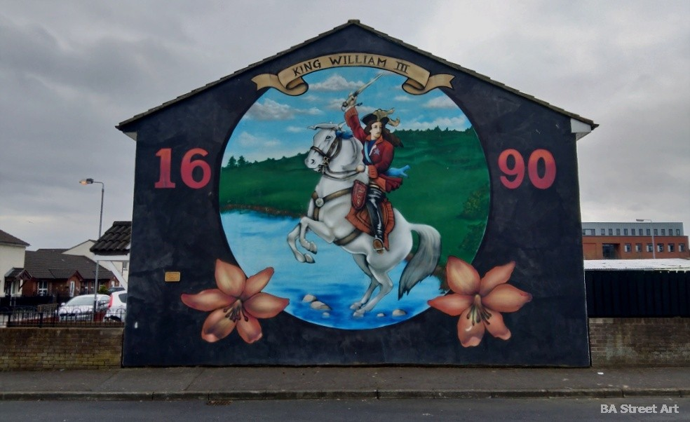 william III protestant mural sandy row belfast 1690 battle of the boyne mural tour northern ireland