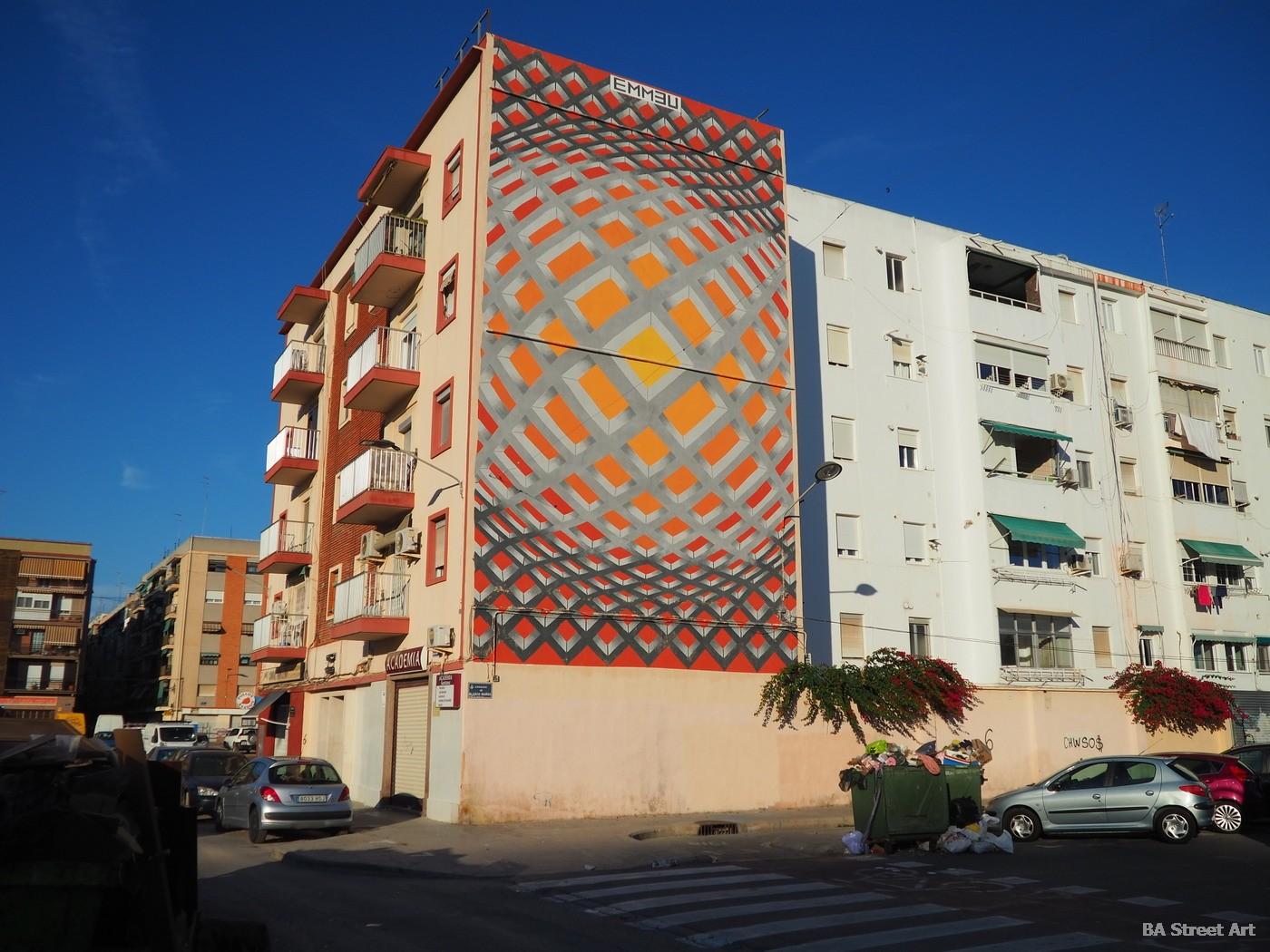 emmeu artist italy italiano mural valencia cabanyal españa spain arte callejero geometria buenosairesstreetart.com